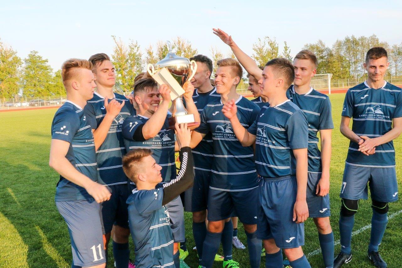 0b6ee334ef3 Kuressaare Gümnaasium alistas jalgpallimurul Saaremaa Ühisgümnaasiumi