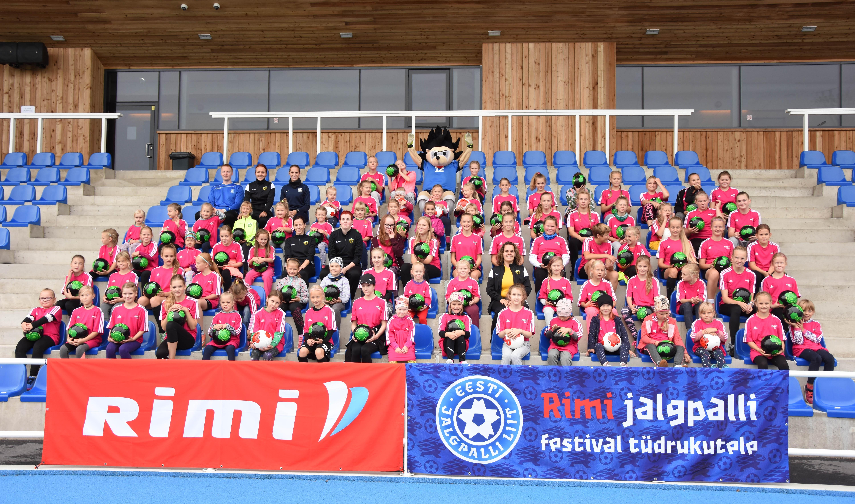2f455501a8c Nädalavahetusel toimus Pärnus selle aasta viies Rimi jalgpallifestival  tüdrukutele, millest võttis osa 86 noort jalgpallihuvilist.