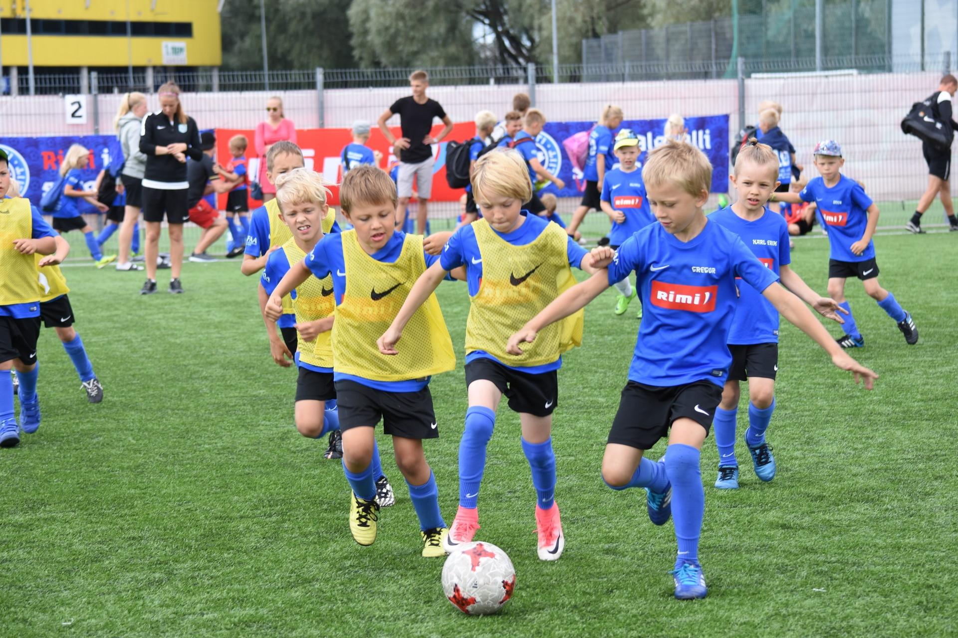ae2d6d0c4a7 Eesti Jalgpalli Liidu (EJL) ja Rimi jalgpalli suvelaagrid alustavad suvel  oma 12. hooaega. Registreerimine 2019. aasta laagritesse algab  jalgpalliliidu ...