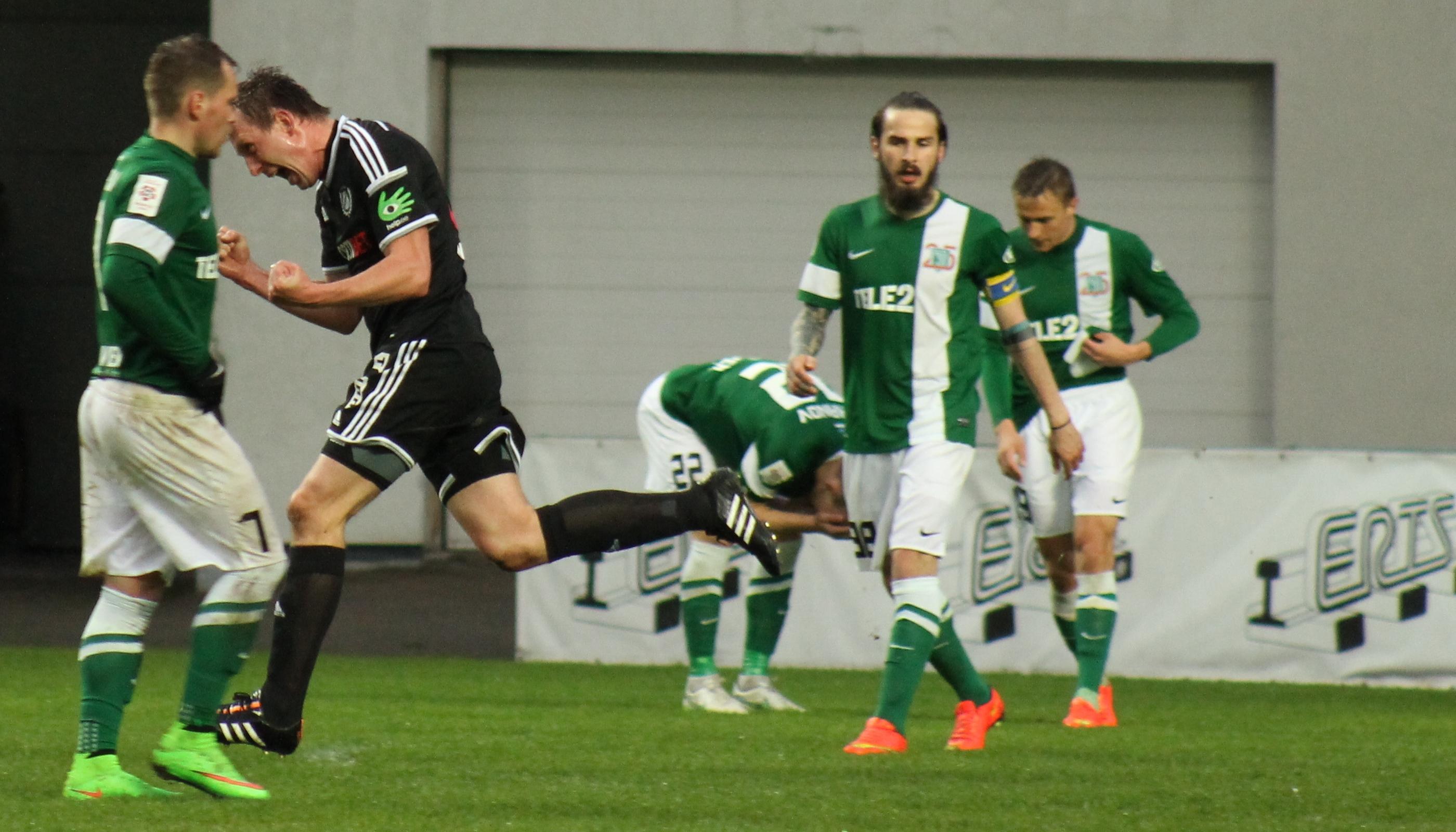 f08ec7bf282 Premium liigas juhib ka pärast VIII vooru täisedu, 24 punktiga Nõmme Kalju  FC. Kui Tallinna FC Flora kaotab teisena vaid kolme punktiga, siis  ülejäänud ...